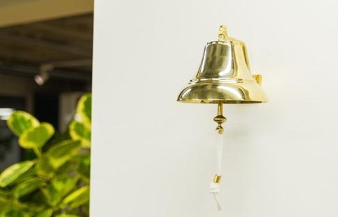 社内エンゲージメントを高める称賛の文化~スタメンの「鐘」~